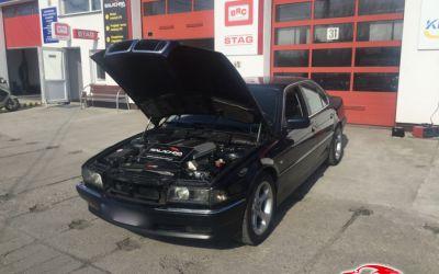 BMW 740 V8 E38