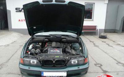 BMW E39 528